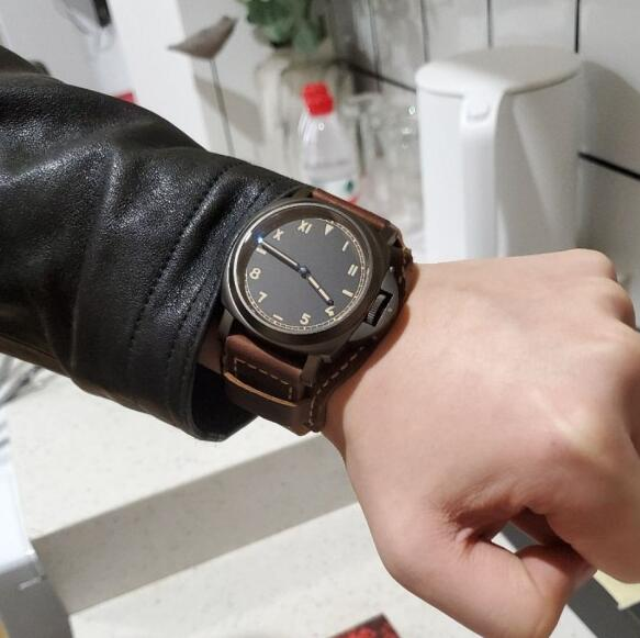 The timepiece will make the men wearers very charming.