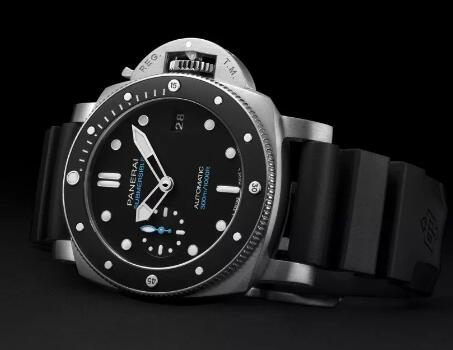 The Panerai Submersible is best choice for strong men.