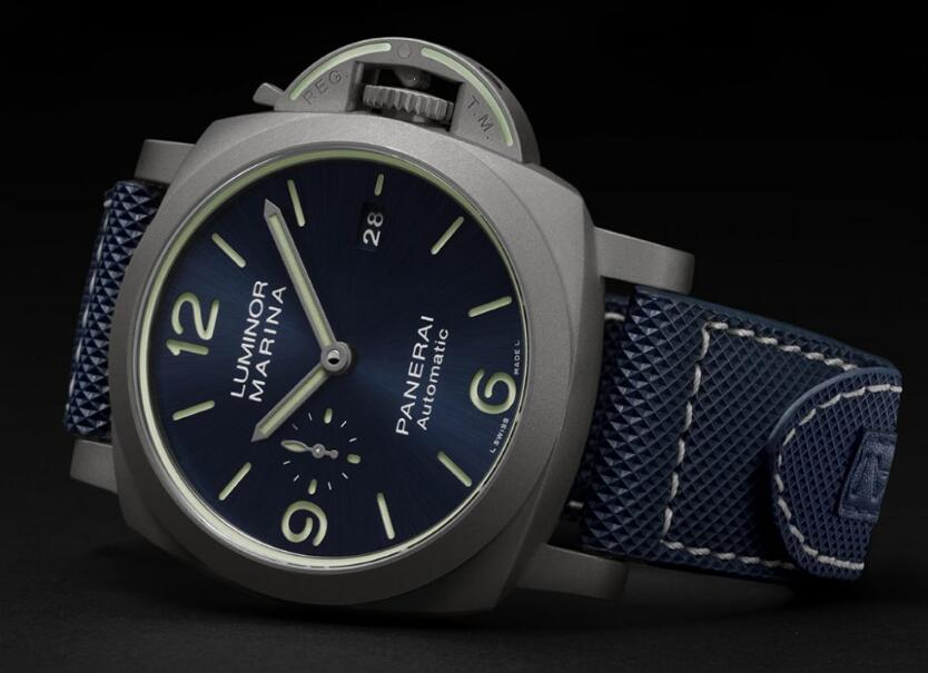 Swiss reproduction watches online rely on blue to reveal fresh feeling.