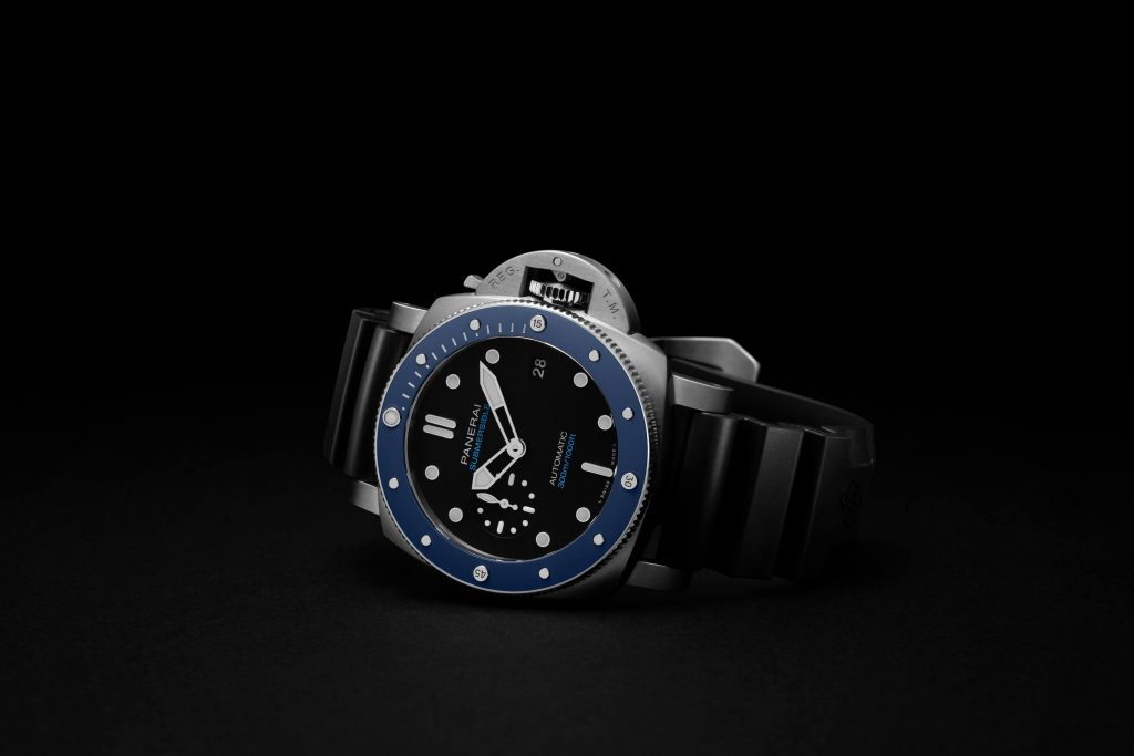 Panerai Submersible fake watch is with high cost performance.