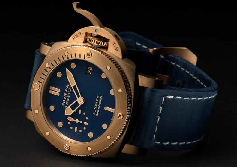 Swiss replica watches are newly released with 42mm in diameter.