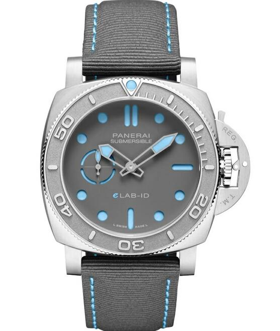 AAA replica watches maintain the prominent water resistance.